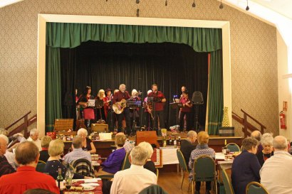 Maldon Ukulele Group performing